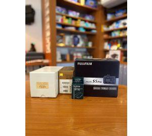 Fuji Finepix S5 Pro DSLR kit